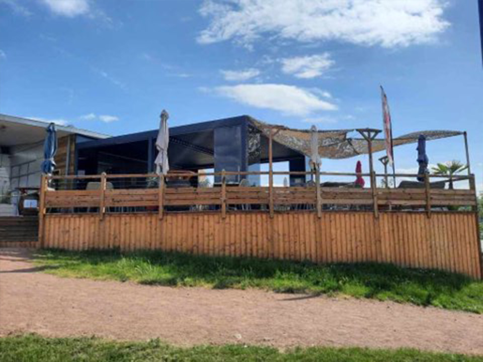 Visuel terrasse restaurant lac II Villerest